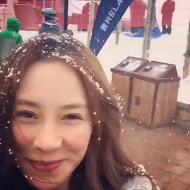 [明星爆料]千亿媳妇徐子淇自high跳舞 与男性友人开心滑雪