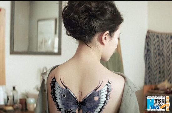 《夜孔雀》刘亦菲裸背纹身惊艳亮相