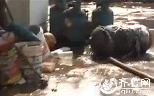 济南试验机厂内一气罐着火房内堆6个v气罐板房机用等压式割嘴图片