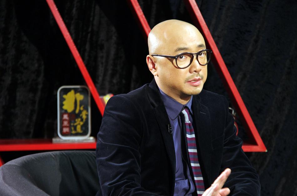 演员出身的徐峥,首执导筒便创出破十亿的票房奇迹,2013年1月4日,《凤凰网·非常道》专访徐峥,谈眼中《泰囧》的制作、口碑和票房奇迹。