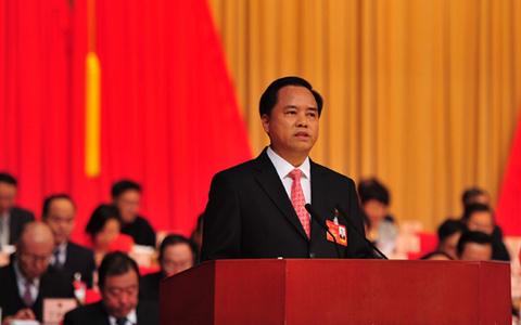刘赐贵参加分组审议时强调:立足优势做文章