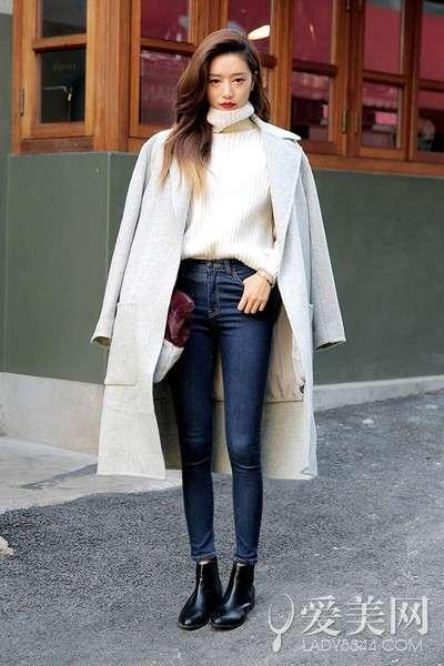 短靴白裤子搭配图