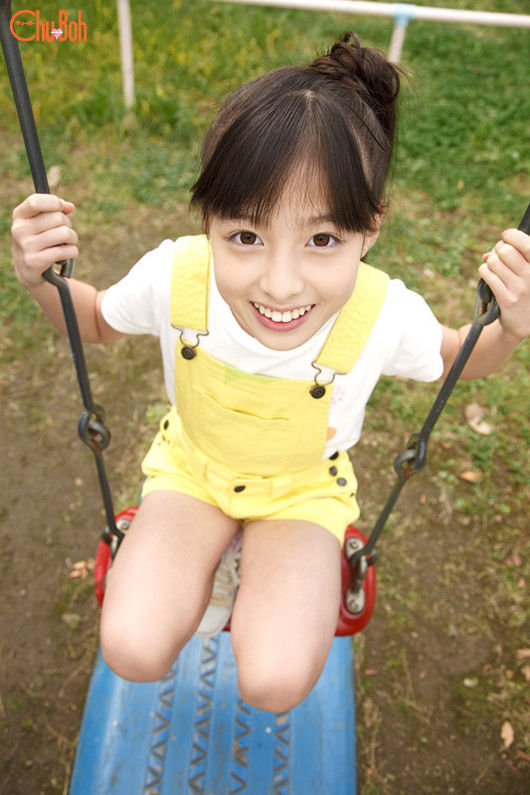 日本14岁小萝莉走红 网友称天使般三次元偶像