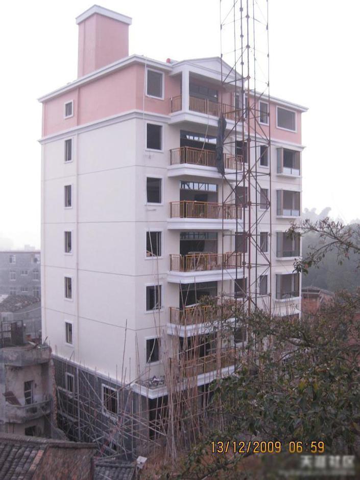 牛人自建七层楼 建筑装修成本仅1000元 平米