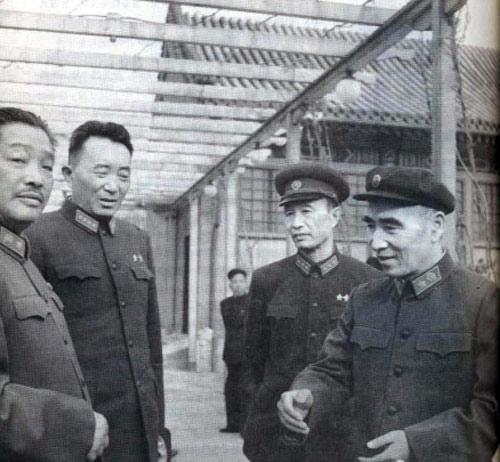 1960年代林彪与贺龙珍贵合影。