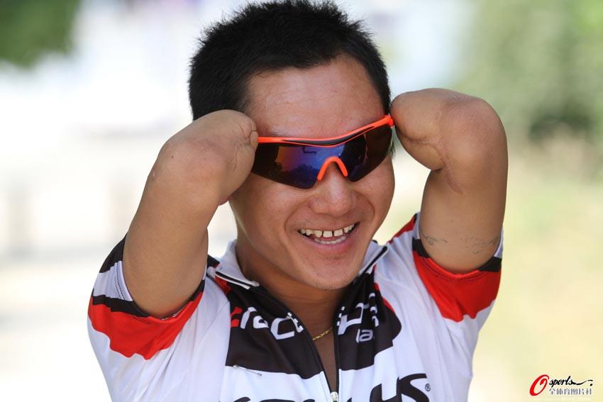 商丘自行车公开赛:断臂世界冠军助阵[高清]