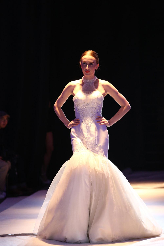 牙全球占有率最大的婚纱礼服品牌 pronovias 美国著名设计师