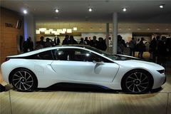 宝马i8量产版车展发布 百公里加速4.5秒