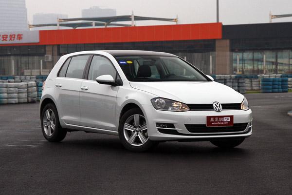 进口全新高尔夫7   凤凰汽车讯 一汽大众全新高尔夫在广州正式上市,此