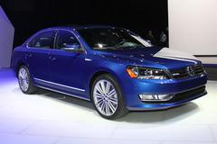 帕萨特蓝驱概念车发布 百公里油耗5.6L