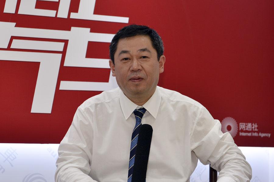 杨军虎:福建奔驰V-Class稍迟引进中国