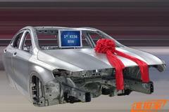 国产奔驰GLA级白车身下线 明年初上市