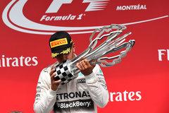 F1加拿大站:汉密尔顿力压队友夺冠