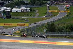 罗斯伯格称雄F1奥地利站 莱科宁退赛