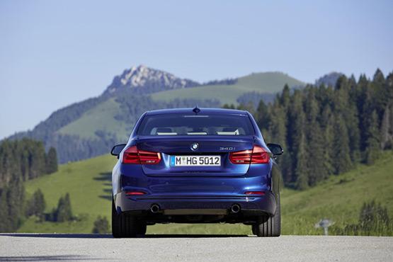 动力方面,预计宝马新款335li和328i两款车型将继续搭载3.0t和2.