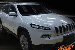 国产Jeep自由光最新实车曝光 外观小改