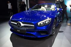 奔驰新款SL发布 外观及动力均有提升