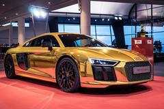奥迪R8 V10 PLUS带来全新金色外观