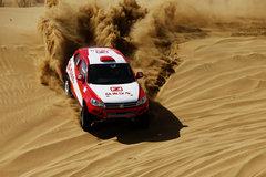 众泰车队备战环塔 T600完成沙漠测试