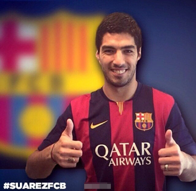 北京时间7月11日消息,巴萨官方宣布从利物浦引进乌拉圭前锋苏亚雷斯。据悉,转会费约7500万镑,双方签约5年。