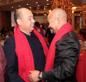 凤凰网广州站CEO与嘉宾交谈
