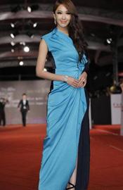 隋棠蓝黑优雅长裙