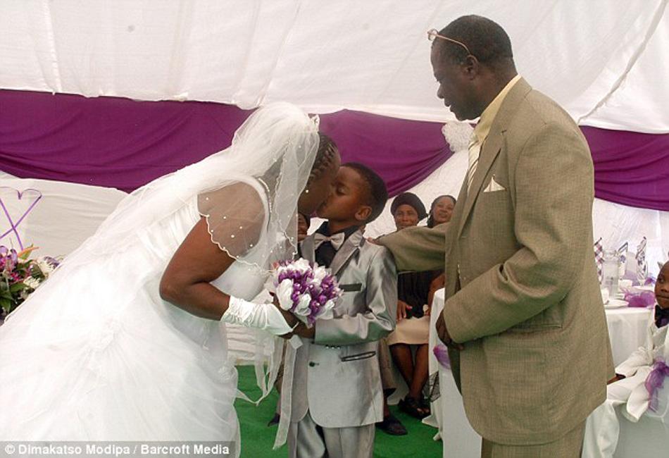 南非一8岁男孩娶61岁婶婶为妻 - 周青耀 - 周青耀的博客