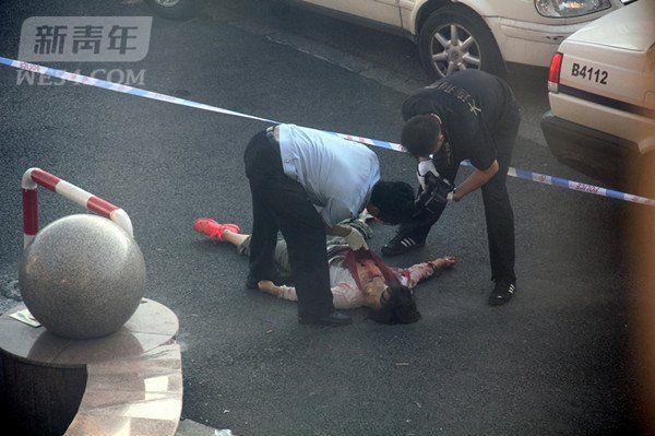 大连:凌晨女子路边被捅数刀身亡(图)