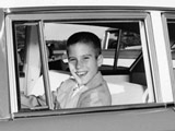罗姆尼生活富裕 幼年时即有优秀的领导能力