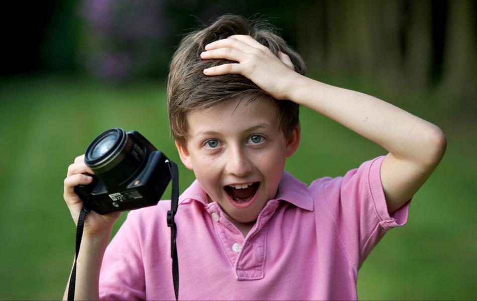 英国11岁男孩拍到疑似UFO照片
