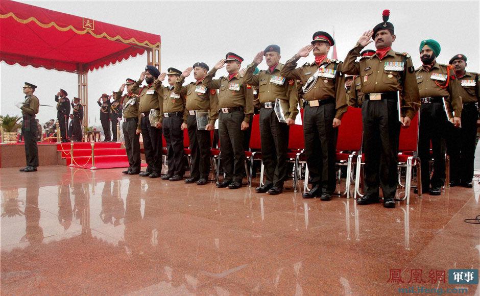 月15日的陆军建军节、1月26日的国庆日(又称共和日)、10月8日的图片