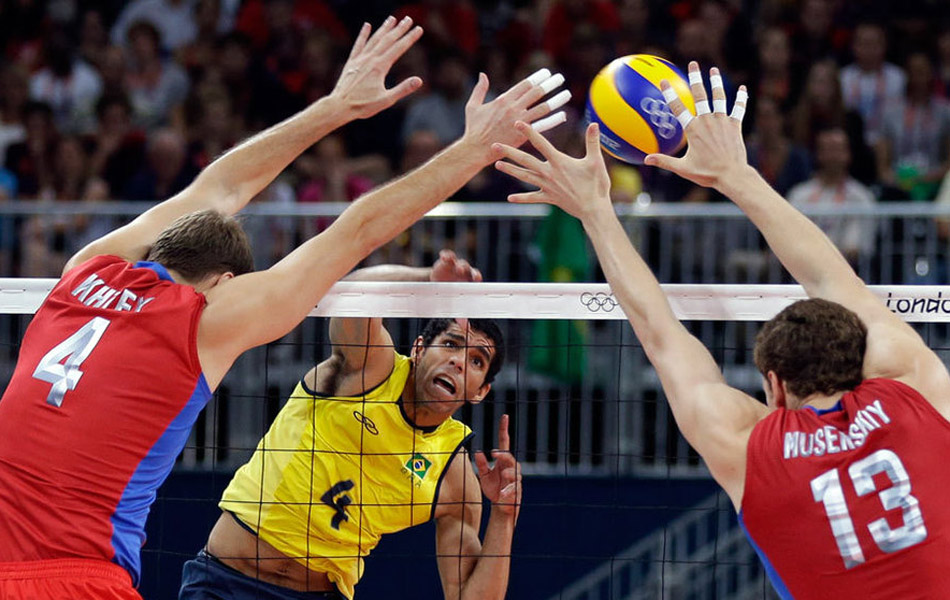 2012年8月12日,伦敦奥运会男排决赛,俄罗斯3-2惊天逆转巴西夺冠。