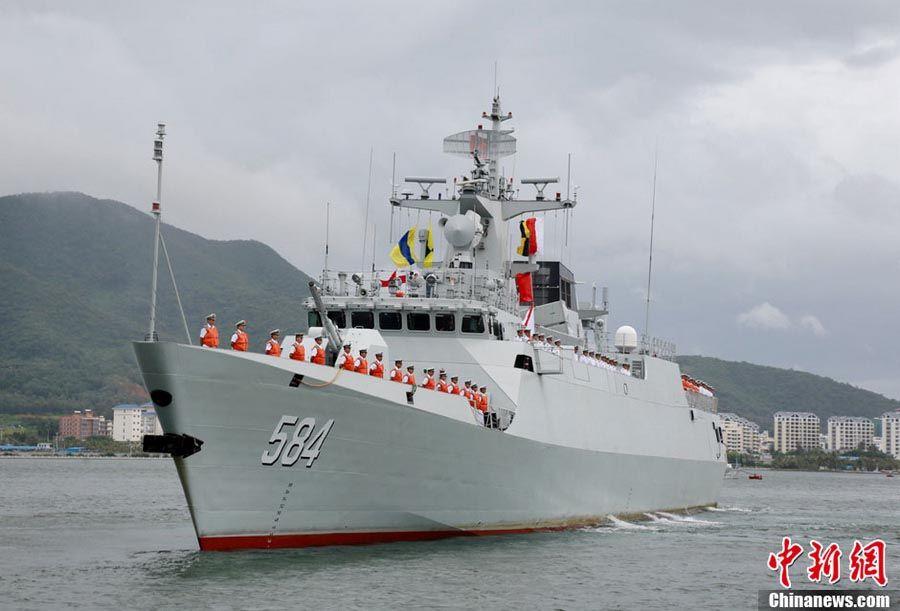 """南海舰队列装584""""梅州""""号056级隐身护卫舰"""