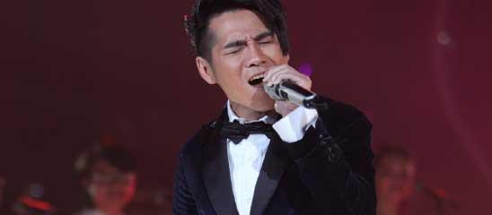 《歌手2》半决赛现场图 曹格被视为最大劲敌