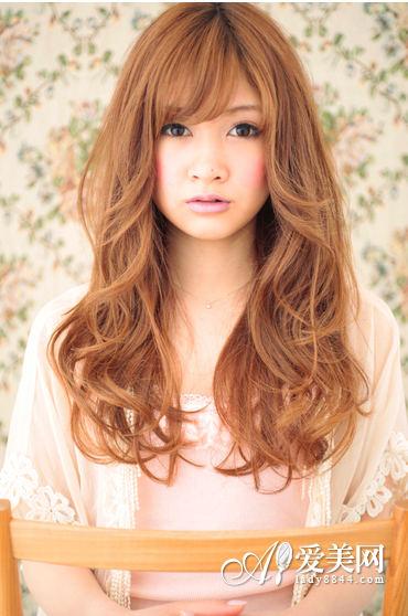 头发心变大全发际流行搭配随发型|头发|图片发量少发型线高适合什么颜色图片