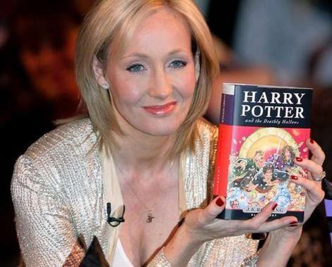 《哈利波特》作者罗琳(1 /7张)-罗琳受访认错 赫敏应该和哈利波特在