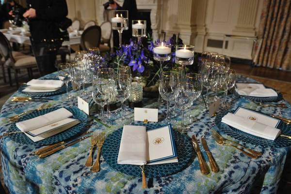 """现场模拟周二晚上奥巴马为奥朗德设的""""国宴"""" 图片来源:法国《观点》杂志网站"""