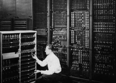 1946年2月14日 世界上第一台计算机诞生