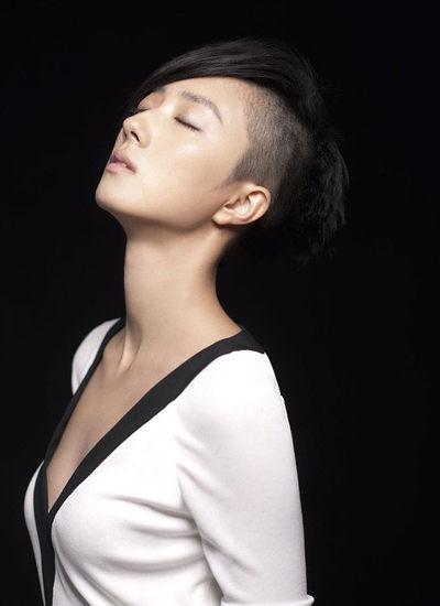 桂纶镁短发发型图片 彰显清新个性