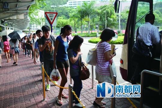 秩序感也是香港年轻人在网络上的一个特点,哪怕发表再无聊的内容,也谨守版规。