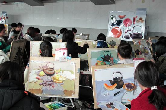 南开大学2014年美术类专业考试天津考点开考图片
