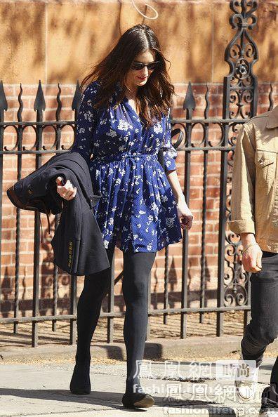 情趣:看丝袜女星秀握住春季法宝组图v情趣有瘦腿怎么样收益图片
