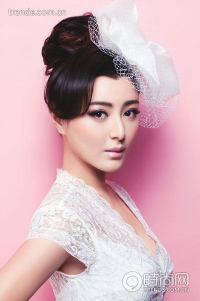 优雅蕾丝盘发 满溢新娘女人味|头发|发夹_凤凰时尚