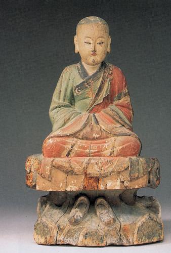宋代至元初者,彩绘的木雕佛像