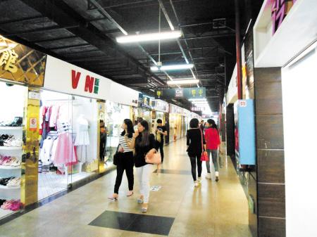 长沙市金满地商业街对商铺处罚事项达30余条引争议