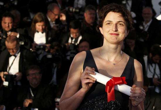 """""""人情味""""(humaine),是戛纳《电影》对2014年法国电影节获奖名单的没有约书亚快报爱奇艺总结图片"""