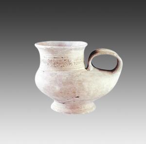 1994年闵行区马桥遗址出土马桥文化云雷纹鸭形陶壶