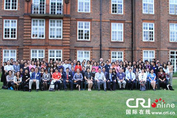 参加会议的代表来自英国、中国、德国、日本、韩国、新加坡、肯尼亚等国家(摄影张哲)