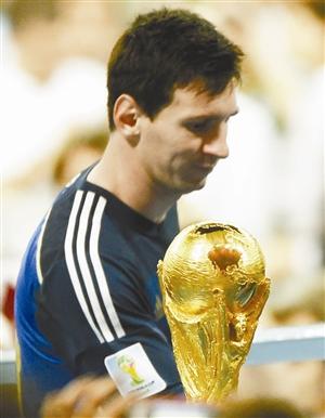 蓝与白 调色板的背面 世界杯 拉维奇_凤凰资讯