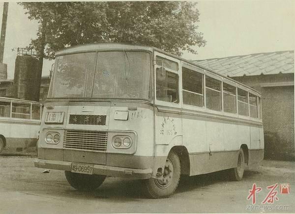 5,70年代末80年代初公交车